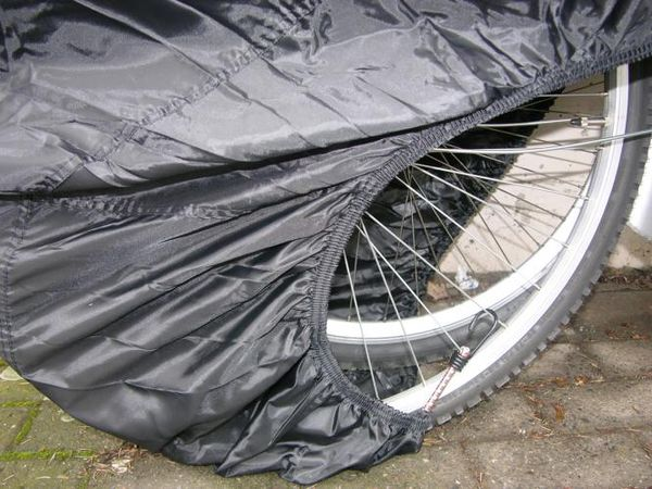 http://www.bilder.huckepack24.de/bilder/eal/fahrradgarage2.jpg